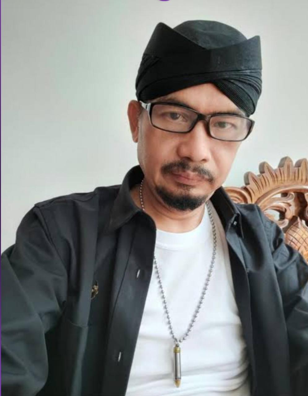 Dr. Dwi Seno Wijanarko SH MH CPCLE